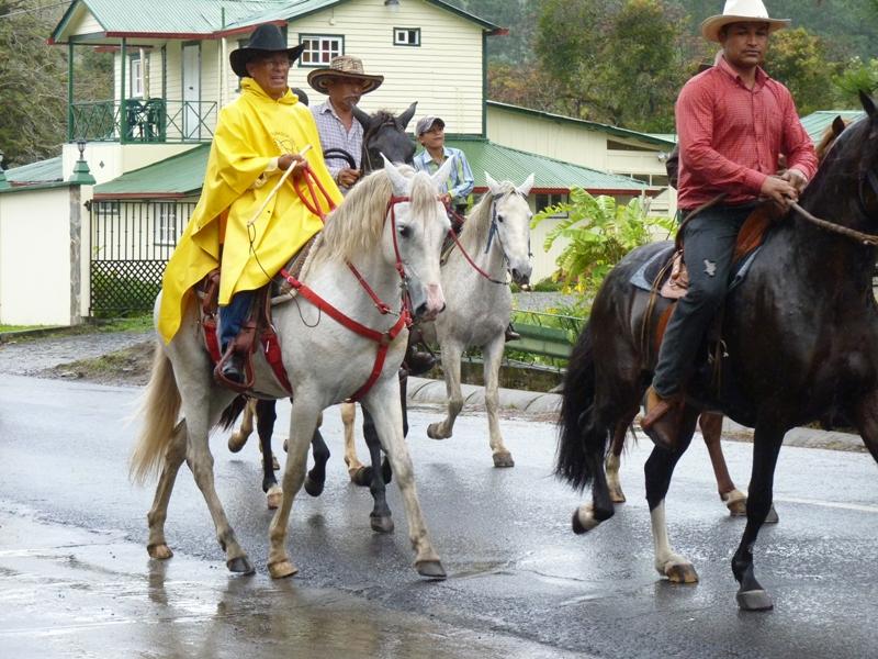 Horseparade2
